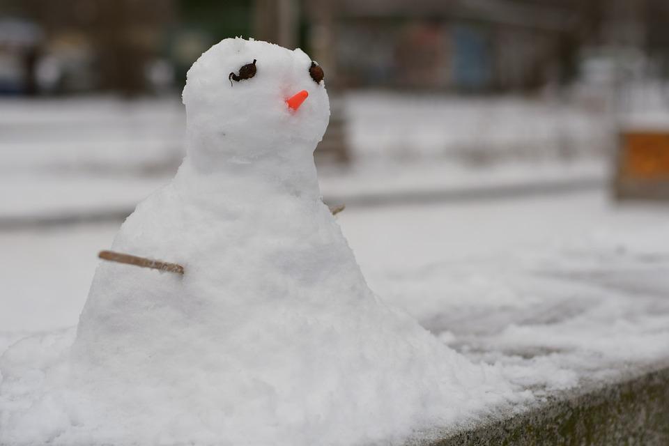 Melting snowman | Travel insurance